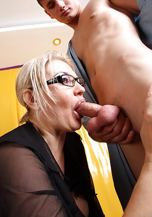 Pussy and Blowjob Pictures