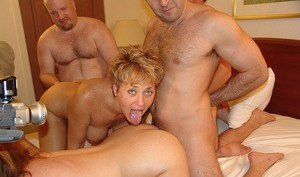 Swinger Pussy Pictures